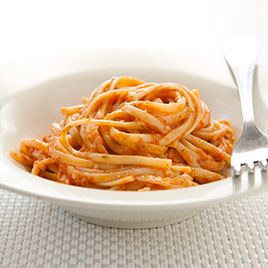 Pasta with Tomato and Almond Pesto (Pesto Alla Trapanese)